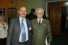 Istoricul Alexandru Moraru cu generalul Ion Costaş